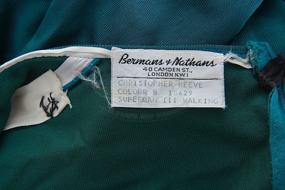 Screenused_Tunic_Label